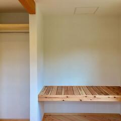 自然素材の家/ソーラーシステムそよ風/土間/薪ストーブ/寝室収納/押し入れ/... 富士山一望の土間に薪ストーブがある自然素…