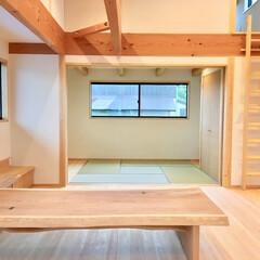 自然素材の家/2階リビング/吹き抜けリビング/ロフト/リビングロフト/在宅ワークスペース/... ロフトがある吹き抜けの2階リビングです。…