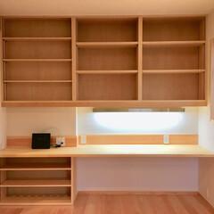 書斎/書斎コーナー/在宅ワークスペース/テレワークスペース/リモートワークスペース/寝室/... 寝室の一角にある書斎コーナーです。  本…