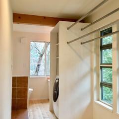 サニタリールーム/サニタリー/サニタリー収納/造り付け収納/部屋干し/洗濯物室内干し/... 2階にある室内洗濯干し場があるサニタリー…