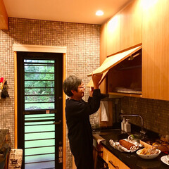 造作キッチン/キッチン収納/御影石キッチン/並列型キッチン/対面式キッチン/水切り棚/... 並列型の対面式造作キッチンは御影石の天板…