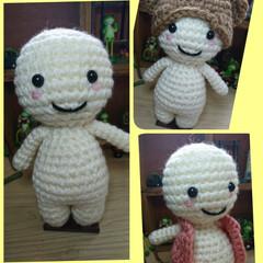 白い子/熊の帽子/ベスト?/編みぐるみ/ハンドメイド 白丸ちゃん。君?(笑) 着せ替えできる子…