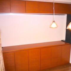 収納棚/壁面収納棚/ピクチャーレール リビングの収納棚を製作しました。吊り戸に…