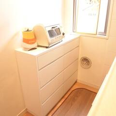 キッチン収納棚/引出収納/本棚 キッチンの収納棚と本棚を製作しました。