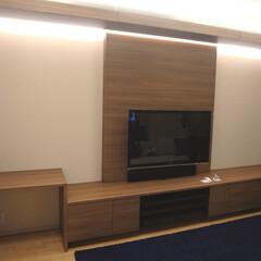 TVボード/TV収納棚/壁面収納/ミラー/間接照明/収納棚/... TVボードを製作致しました。 TVは壁掛…