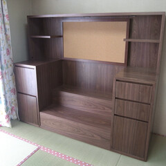 飾り棚 リビングに置く飾り棚を製作しました。 正…