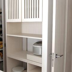 食器棚/収納棚 キッチン収納棚を製作しました。ルーバー扉…
