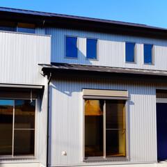 山小屋/ガルバニウム/鋼板/セキノ興産/外観/外装/... 瓦よりも軽量なガルバニウム鋼板は地震の時…