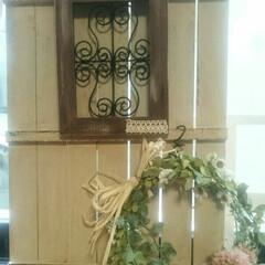 出窓/すのこDIY/インテリア ワイヤークラフトの色を替えてリースも飾っ…