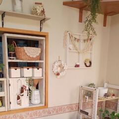 まほさんの窓枠/キッチンカウンター/クリスマス/ハンドメイド/キッチン/キッチン雑貨/... 代わり映えのないキッチンカウンターから💕…