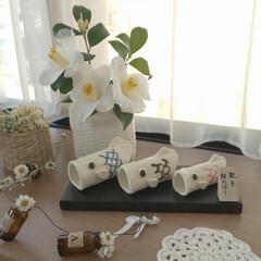 nagomiさんの陶芸作品/親子鯉のぼり/出窓のある暮らし/雑貨/インテリア/住まい/... お雛様を片付けて 鯉のぼりを出しました🎏…