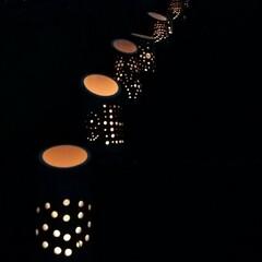 竹あかり/ライト/ロウソク/竹細工/ハンドメイド/手作り/... 竹に穴を開けて中にロウソクを灯す『竹あか…(1枚目)