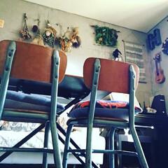 ドライフラワー/ウクレレ/学校の椅子/ビンテージ/DIY/雑貨/... 思えば ビンテージ の 学校の椅子 をヤ…