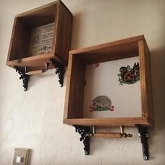 壁紙/カインズ/DIY/インテリア 壁紙シェルフをようやく玄関の壁に取り付け…