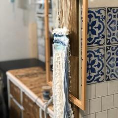 ウィービングタペストリー/フォロー大歓迎/ハンドメイド/雑貨/ダイソー 作ってる途中のウィービング  自作の編み…