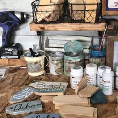 100均塗料/ウッドタグ/かまぼこ板/プチプラ/DIY/雑貨 ウッドタグ🏷 たくさん作ってます♬ 木材…