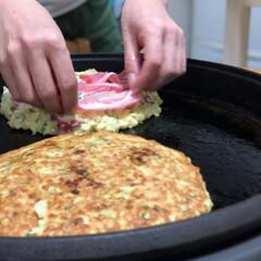 関西人/お好み焼き/おうちごはんクラブ/おうちごはん/グルメ/フード/... 今夜はお好み焼き♬  山芋いっぱい入れて…