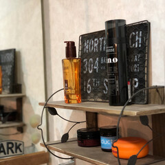 100均/ダイソー/棚/DIY/棚受け ダイソーにあったリーフ柄の棚を 棚受けに…