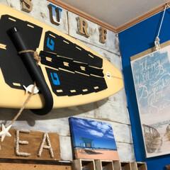 西海岸インテリア/サーフボード/壁面ペイント/フォロー大歓迎/LIMIAインテリア部/DIY/... 壁面の一部は 大好きなブルーにペイント♬…