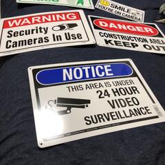 看板/プレート/アメリカ/ホームセンター/英字/雑貨 危険! 監視カメラ設置中 などの看板プレ…