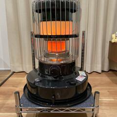 トヨトミ 電子点火式 対流形 石油ストーブ 乾電池式 KR-47A ブラック おしゃれ 対流型 レトロ 灯油 コンパクト 小型 ダブルクリーン KR-47A-B | TOYOTOMI(石油ストーブ)を使ったクチコミ「去年から欲しかったストーブをついに購入!…」