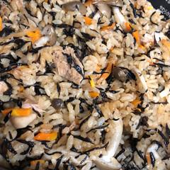 ひじきの炊き込みご飯/スシロー 昨日  夕ご飯に ひじきの炊き込みご飯を…