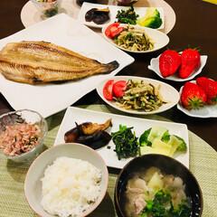 お野菜たっぷり/章姫いちご🍓/縞ホッケ/今日の夕ご飯/フード 今日の夕ご飯 叔母さんが  お野菜をたく…