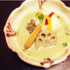 秋/野菜/カレー/グリーンカレー 秋野菜の、れんこん、なす、コーンをトッピ…
