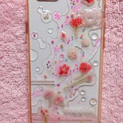 ピンク/女の子/乙女/リボン/レース/ラメ/... レジンで表した水滴が涼しげなiPhone…
