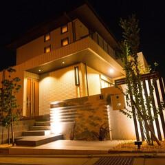 ライトアップ/ライティング/外構/エクステリア/門柱/ナチュラル 建物と外構の素材感や色味を上手く調和させ…