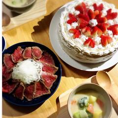クリームシチュー/ローストビーフ/手作りケーキ/Valentine♡/スイーツ/キッチン/... 今日の晩ごはん🍽🍷✨  3日早いVale…