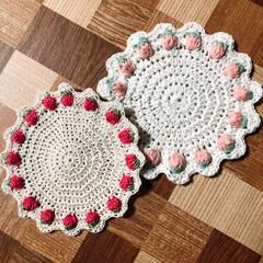編み編み大好き/いちごᒼᑋªⁿ♥︎/ハンドメイド いちご🍓ᒼᑋªⁿ♥︎コースター(別にコー…