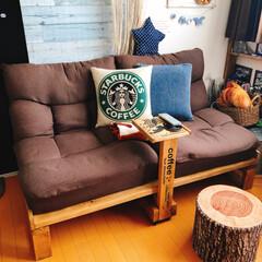サイドテーブルDIY/賃貸/座椅子ソファー/DIY/家具/ニトリ 賃貸で狭いリビング... ソファーの置く…