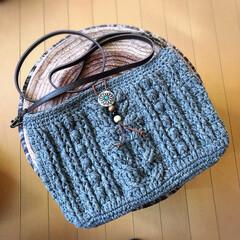 アラン模様/かぎ針編み/ショルダーバッグ/編み物/ハンドメイド/100均/... 完成.•*¨*•.¸¸♬  アラン模様の…