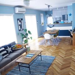 リビングテーブル/unico/ソファ/イームズ/イームズチェア/キッチンカウンター/... 階段の壁に飾っていたGOポスターをリビン…