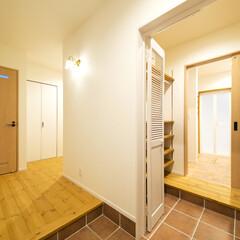 玄関収納/導線 玄関から洗面室へ直接行ける導線。