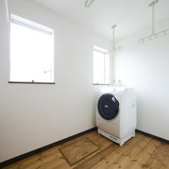 ランドリールーム/室内干し/洗濯物干場 ランドリースペースは忙しいご夫婦の強い味…