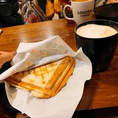 LIMIAごはんクラブ/フォロー大歓迎/わたしのごはん/おうちごはんクラブ/おでかけ/旅行/... 朝ごはん😋😋 暖かいミルクティーが沁みま…