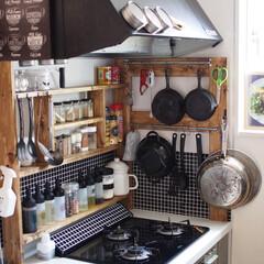 マスキングテープ/男前/カフェ風キッチン/スパイスラック/IKEA/DIY/... セリアの幅広マスキングテープでレンジフー…
