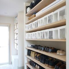シューズボックス/収納フォトコンテスト/シンデレラフィット/整理整頓/IKEA/シューズクローク/... シューズクロークの造作の棚にIKEAのS…