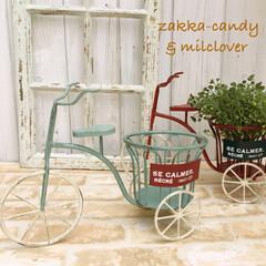 シャビーシック/ナチュラルガーデン/プランターカバー/ガーデン/ガーデン雑貨/ガーデニング/... アンティーク仕上げの可愛い三輪車。後ろの…