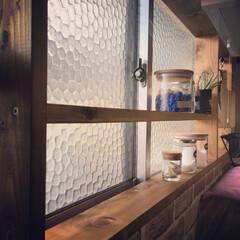 ジャコビアン/ナチュラル/田舎暮らし/DIY/窓枠/キッチン棚/... キッチンの窓枠に棚を作りました♪ ワンバ…
