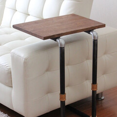 サイドテーブル/ガス管/テーブル 1.改善したかった点 ソファーの前にテー…