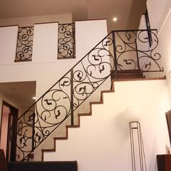 ロートアイアン/アイアン/フェンス/階段手摺り/おしゃれ/エクステリアフェンス/... 階段フェンスと吹き抜けフェンスです。 エ…