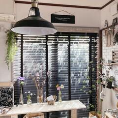 お花のある暮らし/暮らしを楽しむ/カフェ風インテリア/風景/DIY/インテリア/... 窓際に作った私のお気に入りCafeスペー…