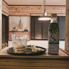 フルーティス/のんびり時間/夜時間/カウンターキッチン/ダイニングキッチン/カフェ風インテリア/... 夜の一人時間は、フルーティスを お酒と割…