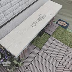 ガーデン/DIY女子/簡単DIY/ベンチDIY/ベンチ/おにわ/... レンガブロックの上に足場板を載せるだけ〜…