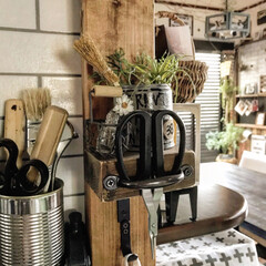 ディスプレイ/飾り棚/端材/2×4材/DIY/雑貨/... 2×4材の端材を利用して作った飾り棚♡手…