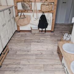 靴箱リメイク/ミルクペイント/クッションフロア/DIYのある暮らし/玄関/収納ベンチ/... 玄関も、一つの部屋💓らしくなるように心が…
