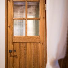 チェッカーガラス/パイン材/ユダ木工/ドア チェッカーガラス入りのパイン材でつくるか…